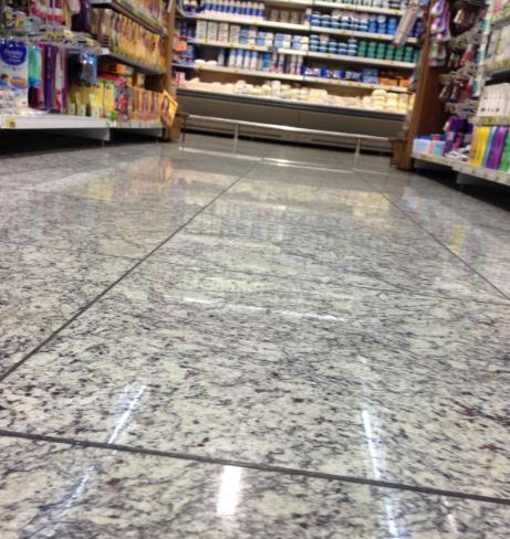 A melhor op o de piso para supermercados vsb piso de for Tipos de granito para pisos