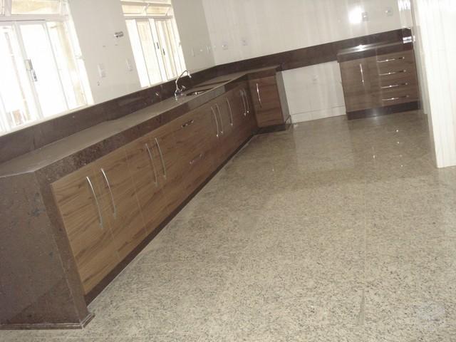 6 ideias de piso de granito na cozinha vsb piso de granito for Pisos com vitoria