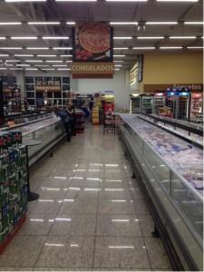 Supermercado com piso de Granito Amarelo Vitoria
