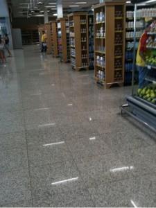 Supermercado com piso de Granito Branco Fortaleza