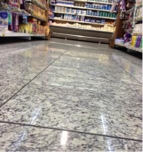 Supermercado com piso de Granito Branco Viena